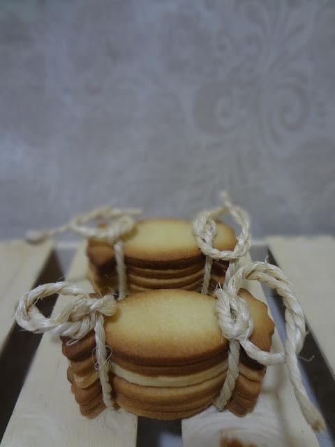 GALLETAS DE MANTEQUILLA Y CANELA…con forma de caramelo