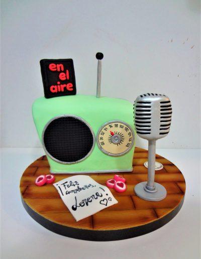 Tarta radio y micro vintage