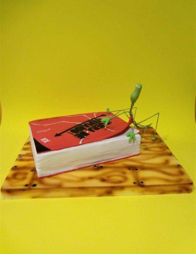 tarta libro y bicho palo