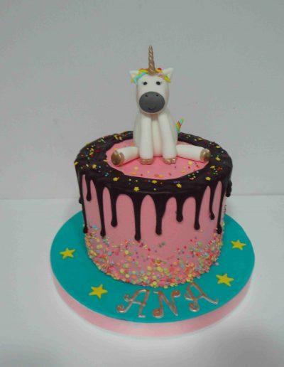 TARTA UNICORNIO DRIP CAKE SIN FONDANT