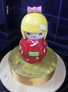 MUÑECA KOKESHI…de chocolate! (Muñequita china)