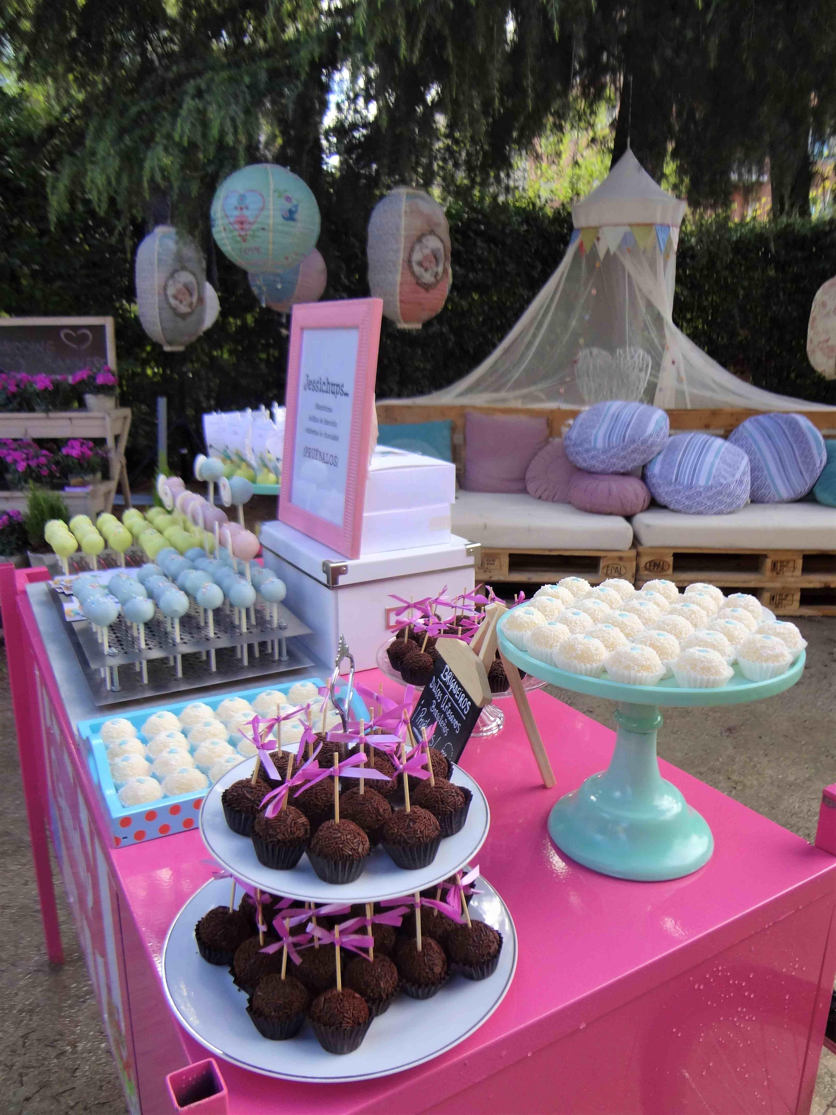 Mesas dulces jessitartas for Decoracion para mesa dulce